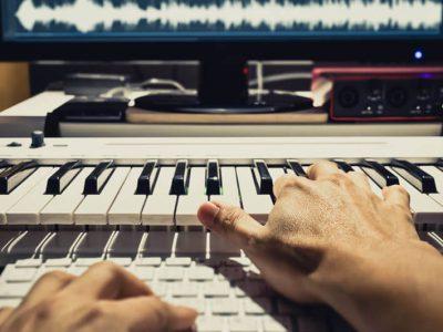 ミックスダウンで曲の音圧や音量のバランスを整えましょう